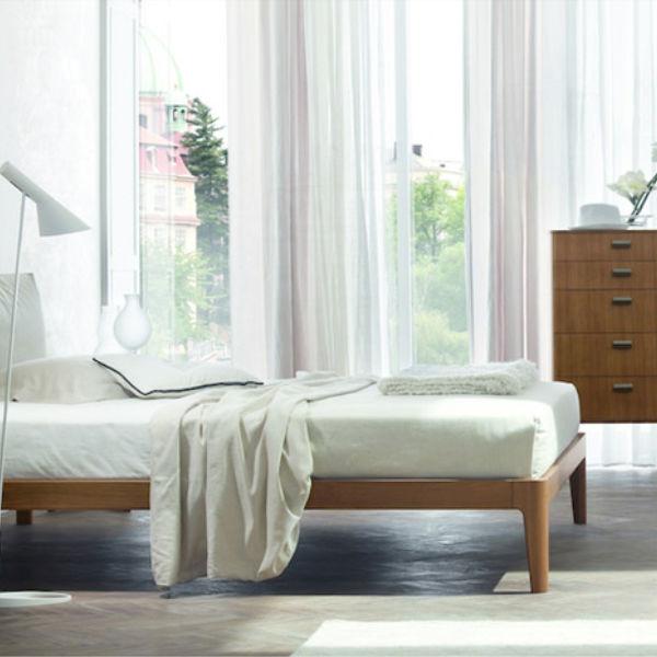 ZANETTE letto e complementi  'Milano', qui in essenza noce canaletto, anche in altri legni o laccato